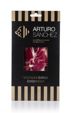 Iberische schouderham van grasgevoerde varkens van Arturo Sánchez gesneden